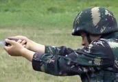 解放军的五种新武器:匕首枪可在刀尖处发射子弹,以备不时之需