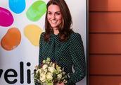 又被凯特王妃美到了,穿绿色连衣裙优雅又清新,36岁依旧气质在线