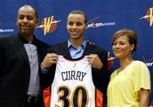 NBA有哪些被误认为白人的黑人球员?格里芬随母亲,库里也是黑人