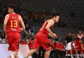 达拉斯小牛为中国男篮发明神战术,丁彦雨航重新定义前锋摇摆人