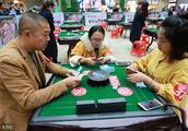 打麻将老是输钱?这3种人不要赌钱,输得最惨!