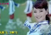 蒙古之花乌兰图雅一曲《凤凰飞》,歌声美撩心扉,美的那红尘醉!