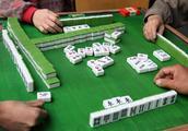 打麻将切记不能坐这个位置,逢赌必输!记住这几招,三家输一家