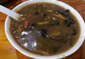 郑州这碗卖八块钱的胡辣汤,果真不是浆稠浆稠的辣糊糊!