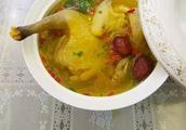 气血双补、浓香四溢的红枣老母鸡汤,幸福的味道