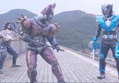 铠甲勇士茨纳米与另外两个怪物对战拿瓦!同为铠甲勇士竟这么做!