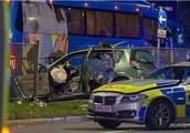 一对新婚夫妇被10辆警车追捕,车祸身亡!警方:认错车了