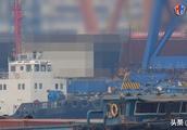 075分段首次曝光,中国两栖攻击舰今年亮相,排水量成最大争议
