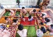 宋城第一世界大酒店内人肉九宫格火锅,边泡温泉边吃,你会去吗?