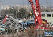 土耳其高铁发生撞车事故,致9死47伤,天桥都塌了