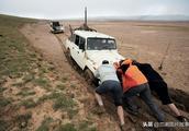"""可可西里藏语意为""""昆仑雪山之地"""",也是""""千湖之地"""""""