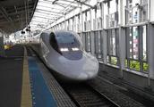 韩国高铁脱轨,网友:不是中国技术,中国高铁比飞机都安全