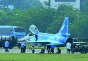 中国枭龙战机亮相缅甸空军节庆典,缅甸终于清醒!