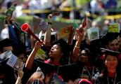美国大学学费沉重学贷违约总额1664亿美元