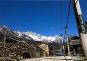 西方纳西学之父居住了27年的村庄,深藏于玉龙雪山风景如画