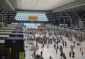 明日8时起,从郑州东站到北京的旅客需至少提前1小时到车站!