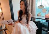 林志玲晒白纱照,并配文轮到我了吗,让网友们猜测是要嫁人了吗