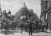 150年前的伦敦,世界上第一盏煤油交通信号灯