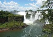 伊瓜苏大瀑布,每年接待游客超200万人,景象十分壮观!