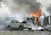 悲剧!伊朗军队突遭汽车炸弹袭击,伤亡惨重,两大细节耐人寻味