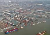 高空俯瞰长兴岛上江南厂的饺子,够得上一个中等国家的主力舰队了