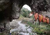 """利川有座天然""""石门"""",门里藏着亿万年地质奇观!"""