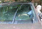 汽车雨刮器刮经常刮不干净,怎么办?
