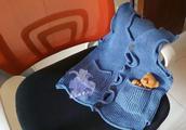蓝精灵:一款好看实穿的儿童棒针飞边马甲(附编织说明)