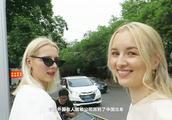 外国美女来中国后很震撼,直言中国太安全,做了在西方不敢做的事