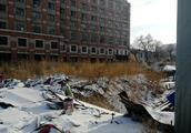 """""""财富之门""""变了荒芜之地,这处地下商场成了烂尾工程,谁之过"""