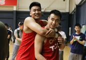中国男篮后卫线竞争赵继伟已掉队  他最需要找回过去的自己!