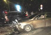 珠海男子凌晨接骚扰电话,遭吉利小车猛撞,27万新车面目全非!