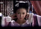 黄明昊喊薛凯琪姐姐,大二十岁的她还是一张娃娃脸
