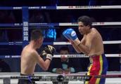 刚刚,中国第一拳王血战KO对手,豪夺金腰带!