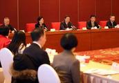 他们从全球各地来到北京市两会,与陈吉宁面对面交流