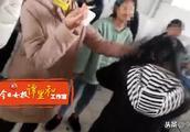 4名女生厕所里围殴同学被拘留7天,因年龄小不予执行