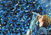 打败德约科维奇 小兹维列夫捧起年终总决赛冠军