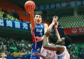 他是CBA新赛季最大发现 李楠的中国男篮要试一下吗?