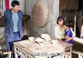 俺娘田小草:田耗子不让小浩回去,哪怕吃糠咽菜也不愿让孩子受罪