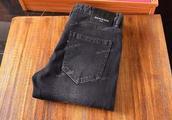 巴黎世家直筒纯色牛仔裤,给你不一样的暖暖时尚风,高弹显瘦