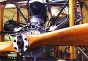 百年前3缸飞机发动机仿造版,性能有点猛,启动前都用绳子拴好的