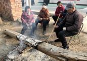 临近春节,农民请小心这些人,听到声音请早点关门避免损失
