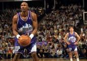 "NBA五十大巨星之一,活在乔丹阴影下的数据机器,""邮差""马龙"
