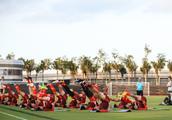 国足热身赛迎庞大观战团 足协高层俱乐部领导全出席