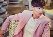 """""""泰国王子""""尼坤真会玩,绿色大衣+粉色帽子,少女心泛滥?"""