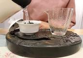 盖碗冲泡武夷岩茶大红袍、肉桂、水仙,到底揭不揭盖?
