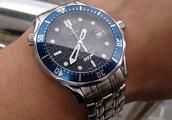 二手钟表交易路上的欧米茄第一代007限量版海马