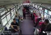 漯河公交车上,男子辱骂司机,脏话连篇