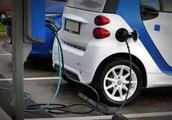 """专家这回说实话了,称新能源汽车就是""""骗局"""""""