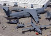 领先中国20年?美国到底曝光了什么超级飞机,军迷:性能独一无二